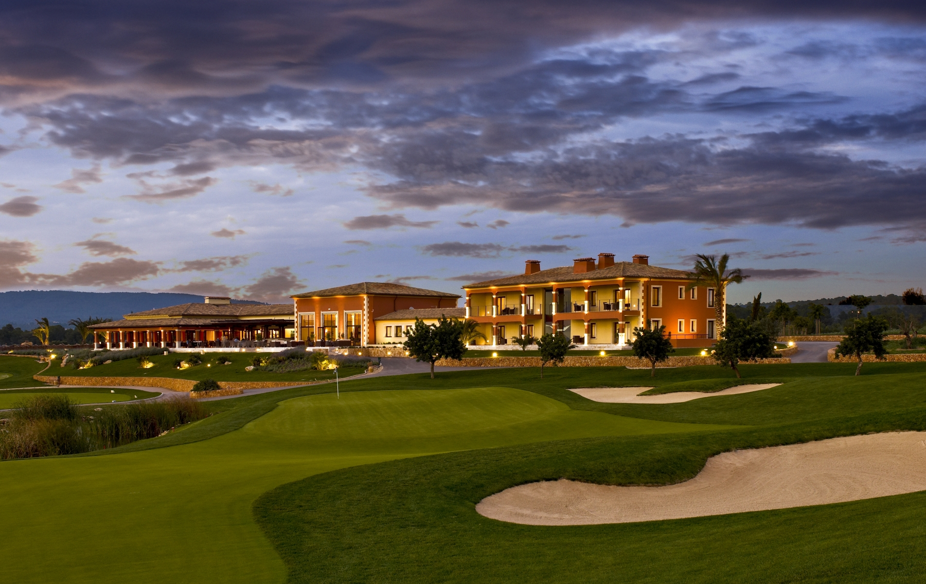 golf-son-gual-mallorca-hole9-clubhouse-high-res
