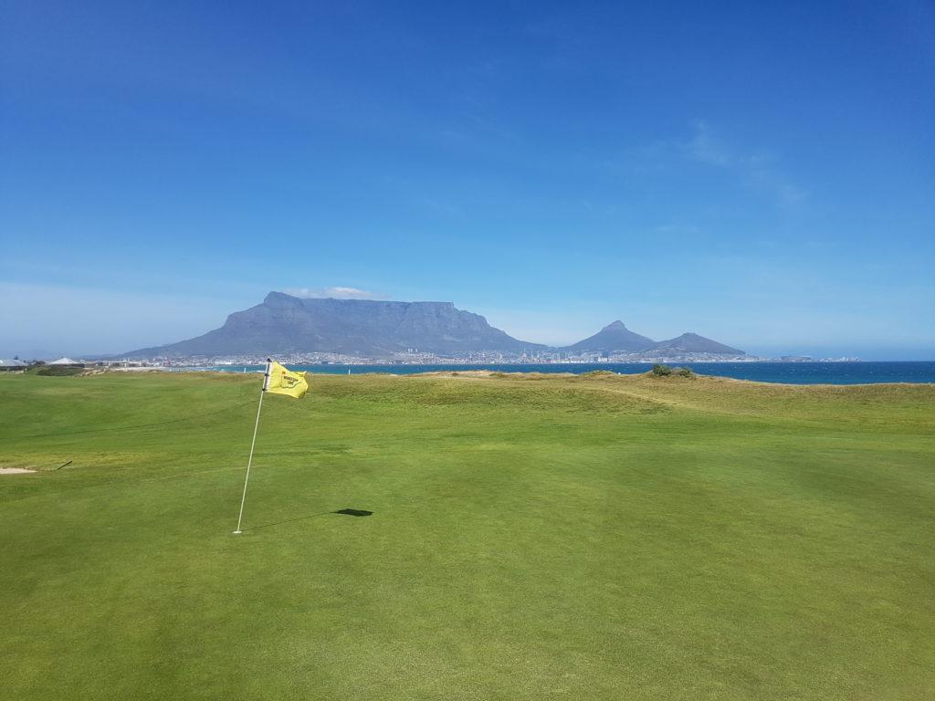 Milnerton Golf Club mit dem Tafelberg - © Kai Wunner