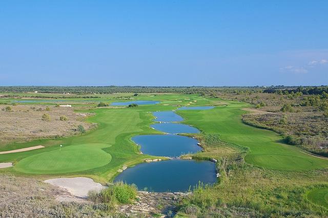 Loch 11 + 12 Acaya Golf Club - © JSH Hotels & Resorts