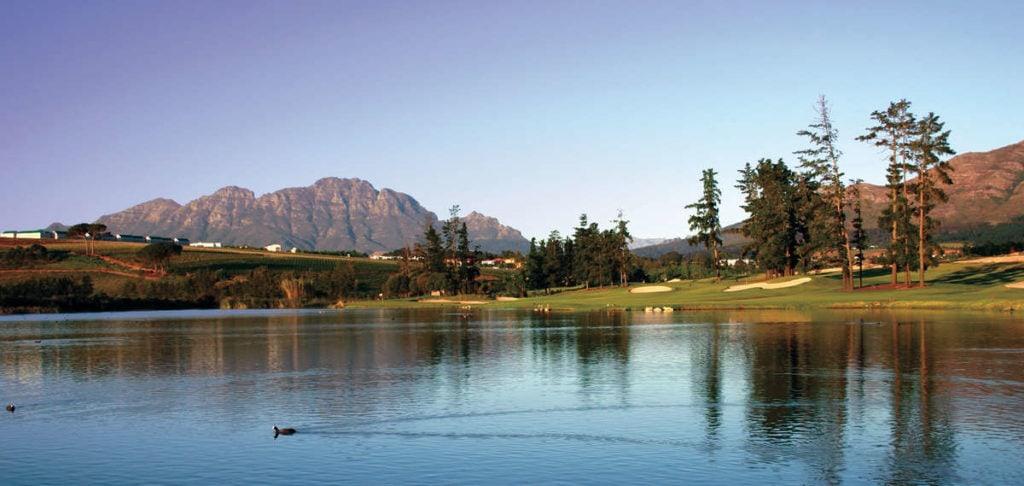 Loch 13 von der Teebox - © De Zalze Golf Club