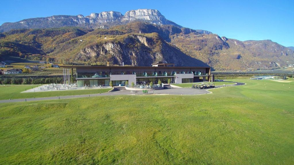 Das Clubhaus und Hotel - © www.golfandcountry.it